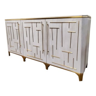 Henredon Furniture Jeffrey Bilhuber Downing Vanilla Lacquer & Brass Buffet For Sale
