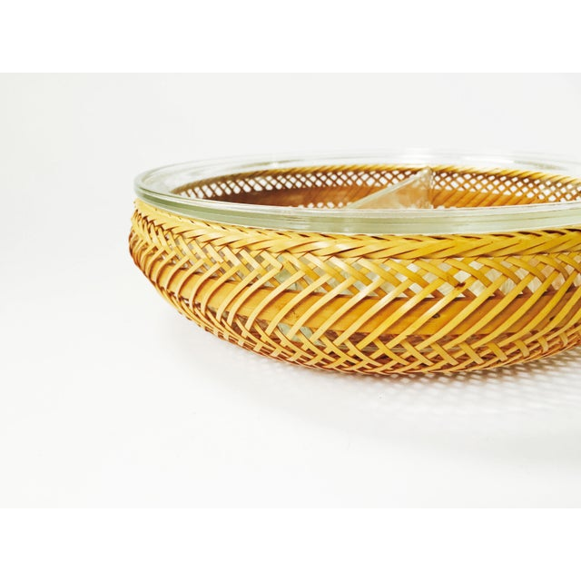 Vintage Glass Pyrex Tray in Wicker Basket - Image 3 of 6