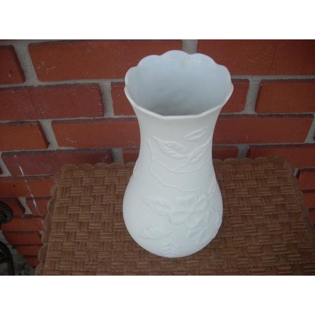 Kaiser Bisque Vase - Image 3 of 4