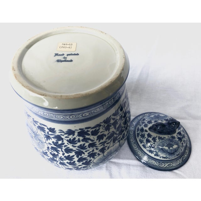 Blue and White Porcelain Jar With Foo Dog Lid For Sale - Image 6 of 7