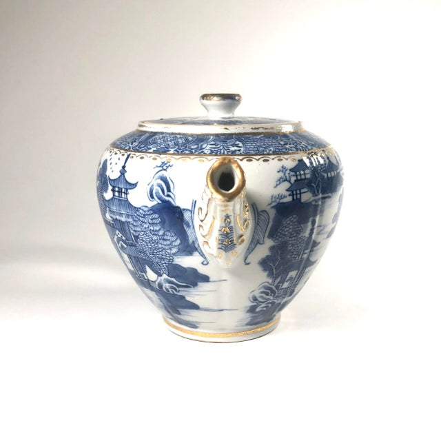 """Chinoiserie Late 18th Century English Georgian Period Caughley """"Blue Willow Nankin"""" Teapot or Punch Pot For Sale - Image 3 of 9"""