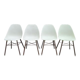 Mid Century Modern Sam Avedon Shell Chairs -Set of 4 For Sale