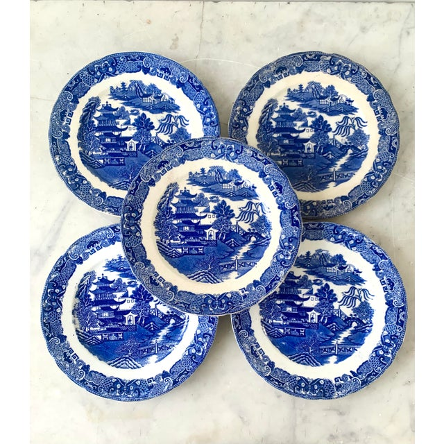 19th Century Broseley England Blue Willow Plates - Set of 5 For Sale In New York - Image 6 of 6