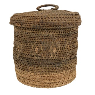 20th Century Native American Lidded and Lined Sewing Basket For Sale