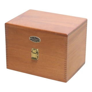 Mahogany Box With Dovetail Seams & Brass Hardware For Sale