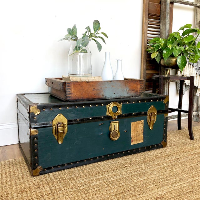 Rustic 1940s Traditional Green Steamer Trunk Coffee Table For Sale - Image 3 of 13