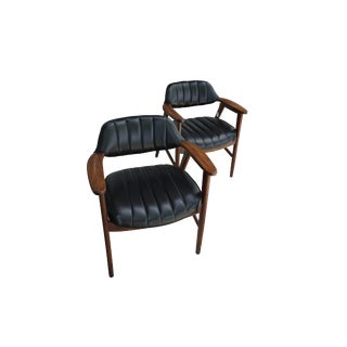 """1970s Mid Century Modern Paoli"""" """"Madmen"""" Club Chairs - a Pair For Sale"""