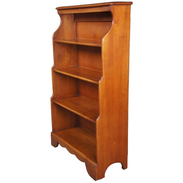 American Early American Willett Furniture Golden Beryl Maple Bookcase For Sale - Image 3 of 10