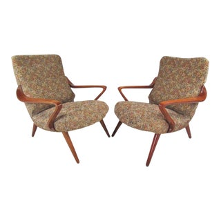 Pair of Vintage Modern Italian Lounge Chairs in the Style of Paolo Buffa For Sale