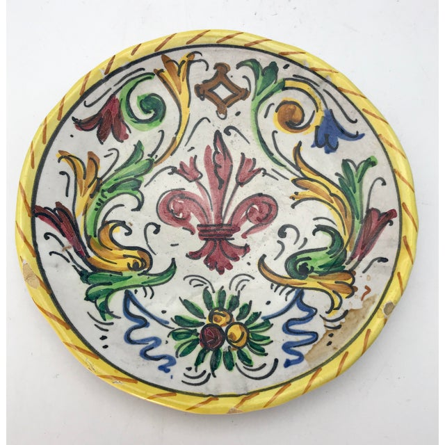 1900s 1900s Antique Hand Painted Deruta Majolica Raffaellesco Plate For Sale - Image 5 of 5