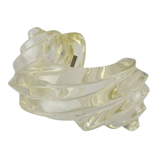Fashion Designer Uterque Oversized Bold Deeply Carved Clear Lucite Cuff Bracelet For Sale - Image 10 of 10