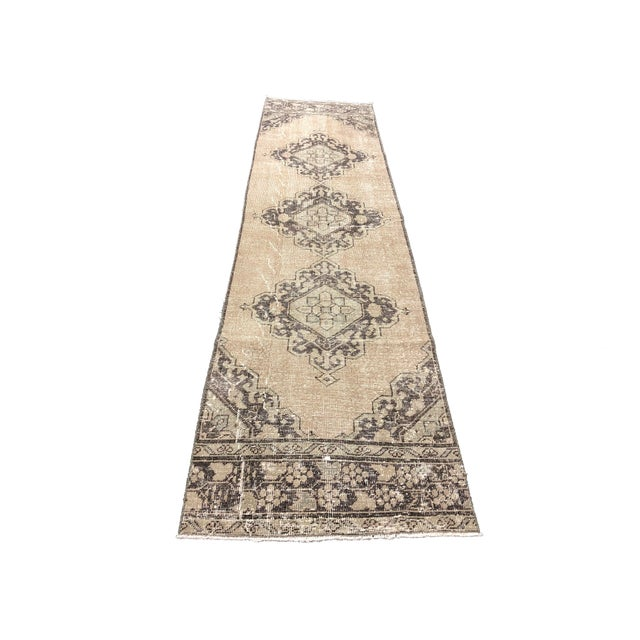 Tan Oushak Handknotted Tribal Runner Rug - 2′9″ × 11′4″ For Sale - Image 8 of 8