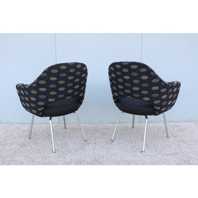 1950sMid-Century Modern Knoll Eero Saarinen Executive Arm Chairs - a Pair For Sale In New York - Image 6 of 13