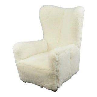 Fritz Hansen Model 1672 Lambskin Wingback Chair For Sale