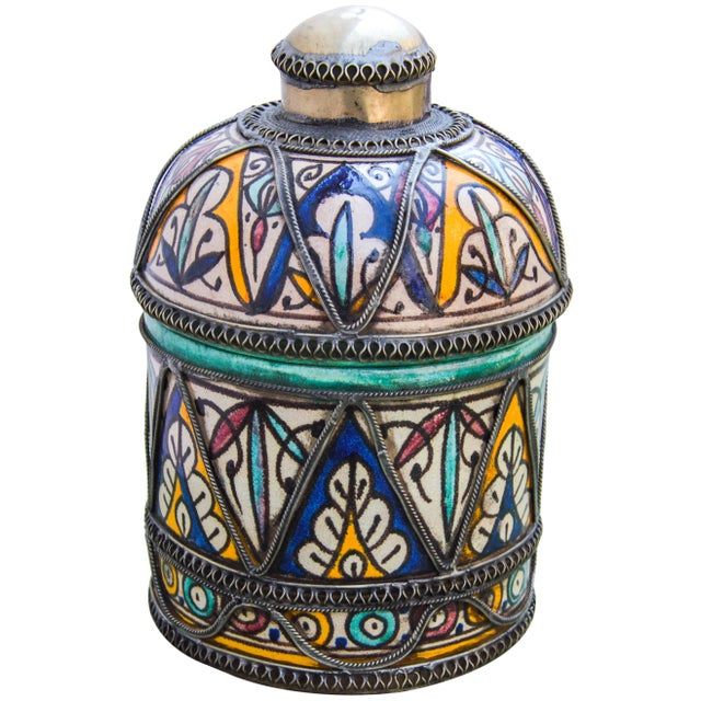 Islamic Andalusian Filigree Ceramic Box For Sale - Image 3 of 13