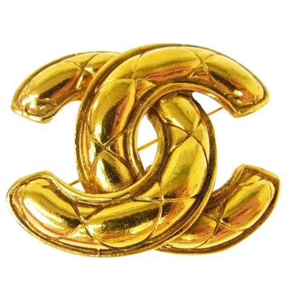 Chanel Vintage Gold Quilted Charm Pin Brooch For Sale