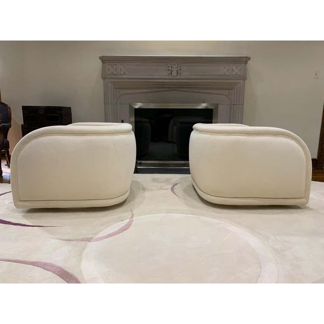 1980s Vladimir Kagan Style Directional Swivel Club Chairs - a Pair For Sale - Image 5 of 7