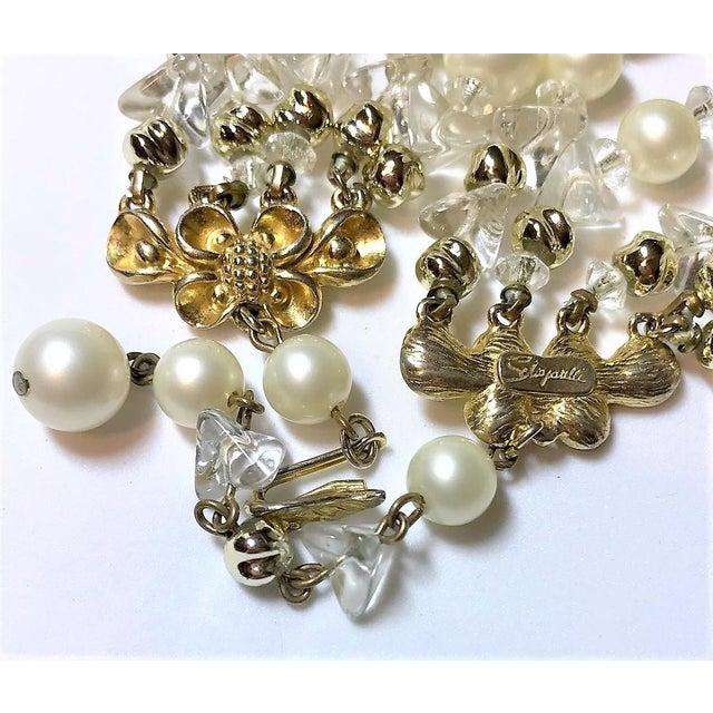1960s 1960s Schiapareli Faux-Pearl Bib Necklace For Sale - Image 5 of 6
