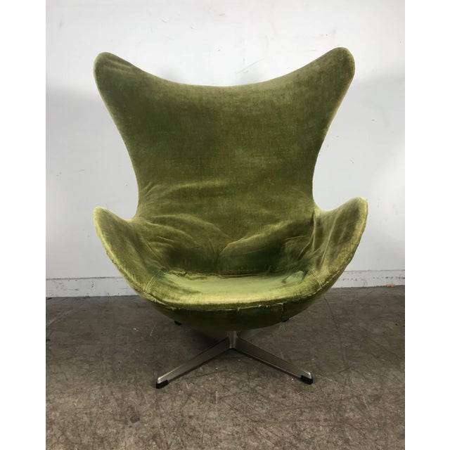 Early Original Egg Chair by Arne Jacobsen for Fritz Hansen For Sale - Image 10 of 10