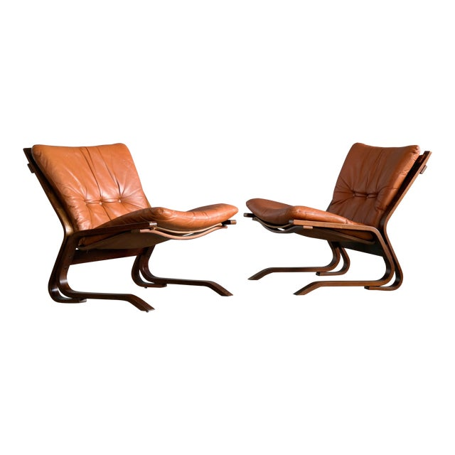 Pair of Midcentury Norwegian Easy Chairs in Cognac Leather by Oddvin Rykken For Sale