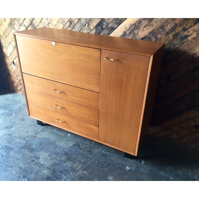 Mid-Century Herman Miller Refinished Credenza For Sale In Los Angeles - Image 6 of 7