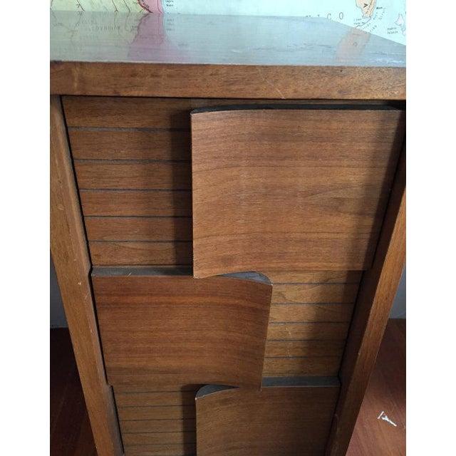 Mid Century Modern Johnson Carper Desk - Image 5 of 6