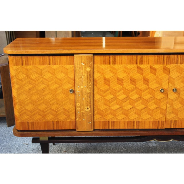 French Art Deco Light Exotic Macassar Ebony Sideboard / Buffet By Jules Leleu Style, with mother-of-pearl Circa 1940s - Image 7 of 11