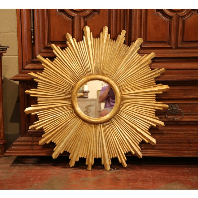 Large Pair of Italian Carved Giltwood Sunburst Mirrors For Sale - Image 4 of 11