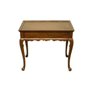 20th Century Georgian Ethan Allen Accent End / Tea Table For Sale