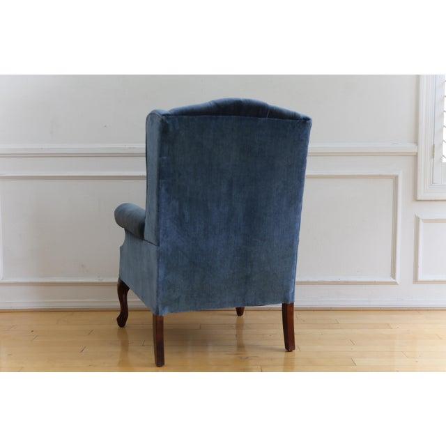 1960s Vintage Blue Navy Tufted Velvet Wingback Chair For Sale - Image 5 of 8