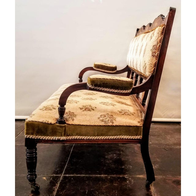 English Edwardian Adam Style Marquetry Salon Settee For Sale In San Diego - Image 6 of 13