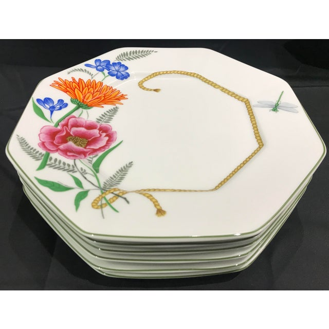 """Contemporary 1990s Lynn Chase """"Flores"""" Assorted Colors Dinner Plates - Set of 14 For Sale - Image 3 of 12"""