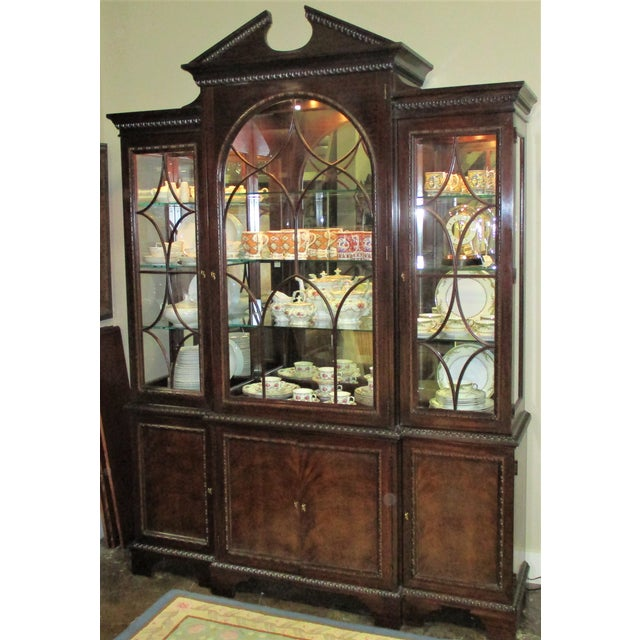1990s Hickory White Breakfront Four-Door Inlaid Mahogany China Cabinet For Sale - Image 11 of 11