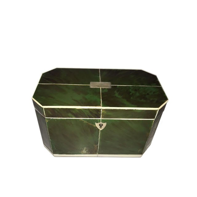 Traditional Mid 18th Century Regency Faux Green Tortoiseshell and Bone Tea Caddy For Sale - Image 3 of 7
