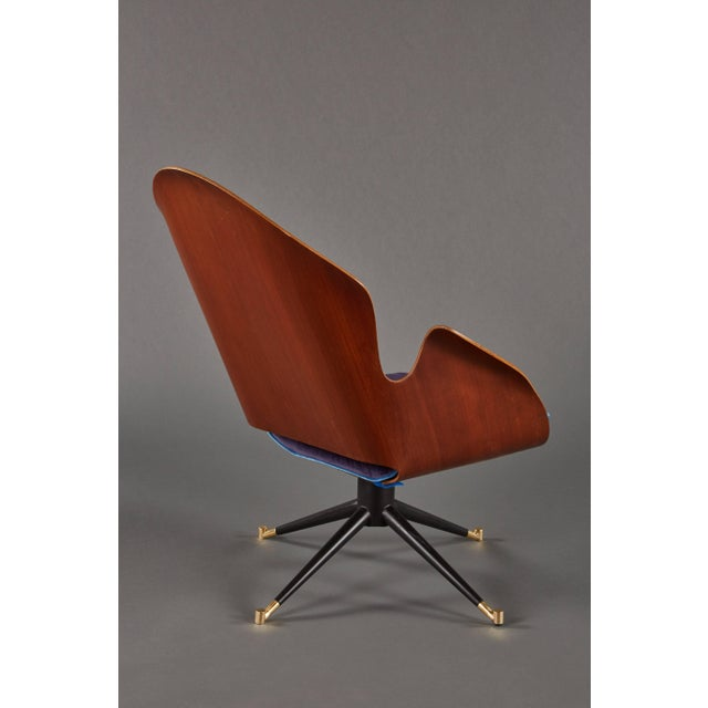Mid 20th Century Rare and Sculptural Pair of Mid-Century Italian Swivel Chairs For Sale - Image 5 of 11