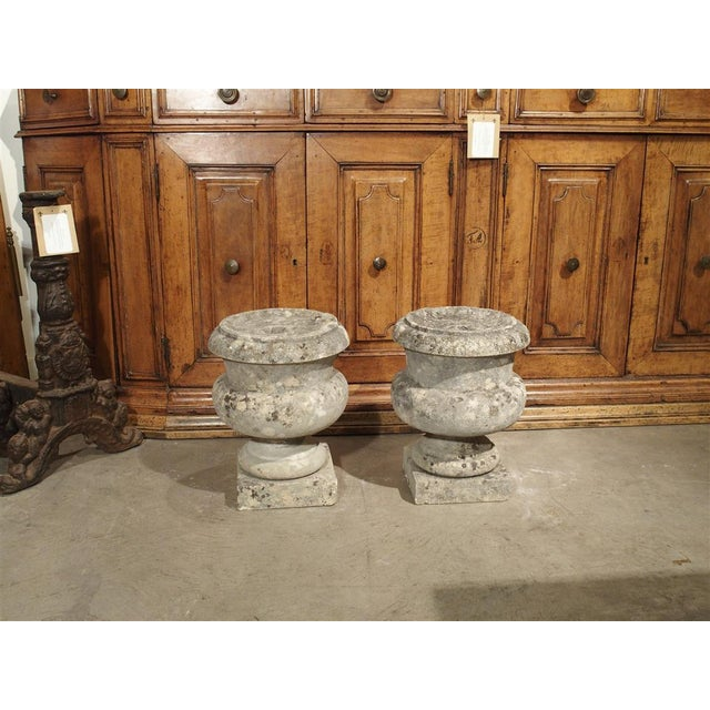 Pair of Antique Carved Stone Garden Finials From Bordeaux France, 19th Century For Sale - Image 9 of 12