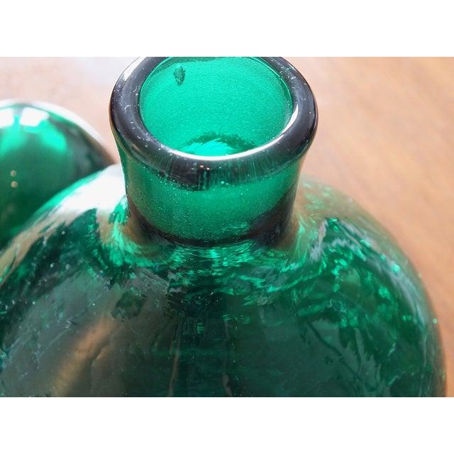 Vintage Blenko Emerald Green Crackle Glass Bottle For Sale - Image 5 of 7