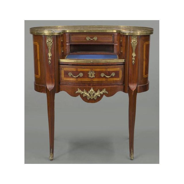 French Early 20th Century French Louis XV Mahogany Kidney Shaped Ladies Desk For Sale - Image 3 of 11