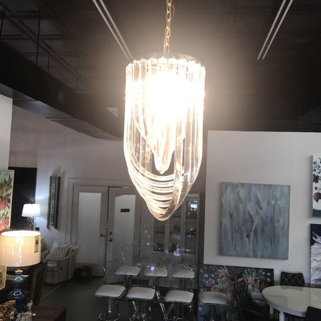 factory price a3965 1b8ba Vintage Hollywood Regency Lucite Ribbon Chandelier