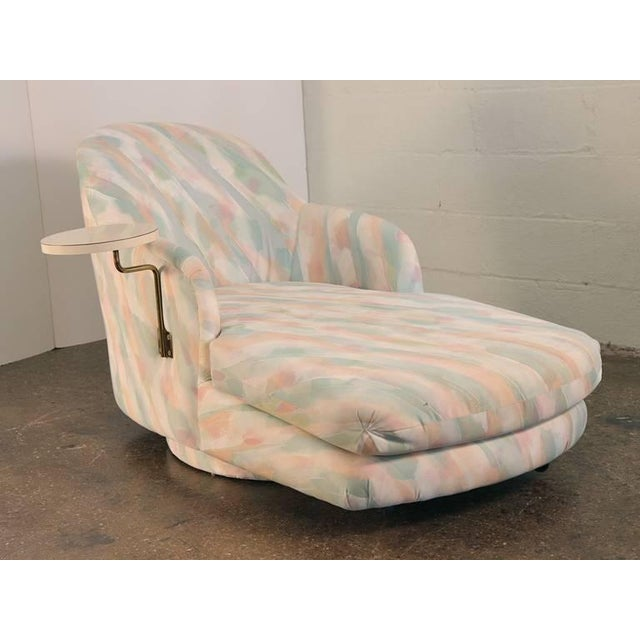 Lounge your way to the Eighties in this Milo Baughman for Thayer Coggin chaise longue with built-in drink table. The front...