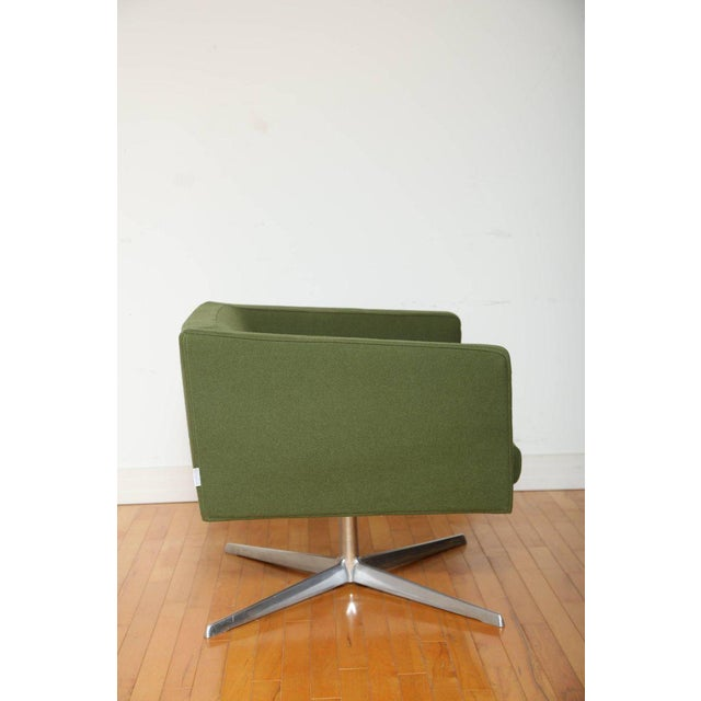 Mid-Century Modern Style Swivel Lounge Chair by Verzelloni For Sale - Image 4 of 9