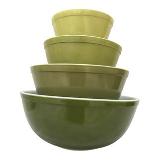 1960s Mid-Century Modern Pyrex Verde Mixing Bowls - Set of 4 For Sale