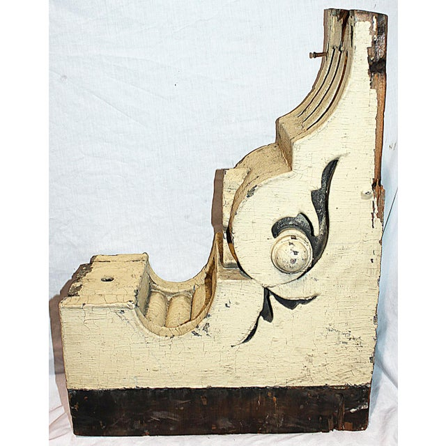 Here's an antique American corbel for your imagination to give new life to. Rustic and worn, missing some bits but you...
