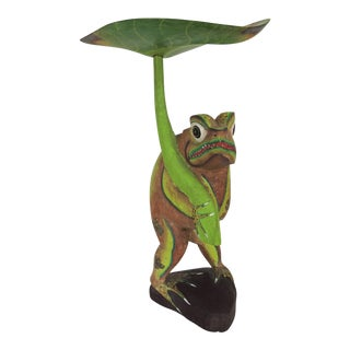 Vintage Green Balinese Wood Frog With Leaf Parasol For Sale