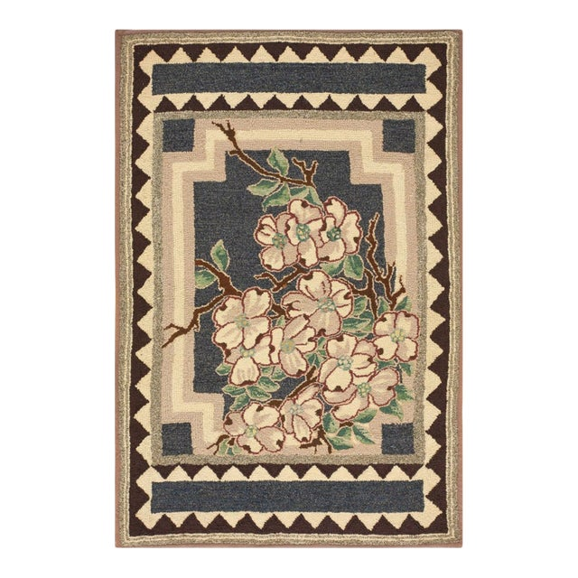"""Antique American Hooked Rug 2'9"""" X 4'2"""" For Sale"""