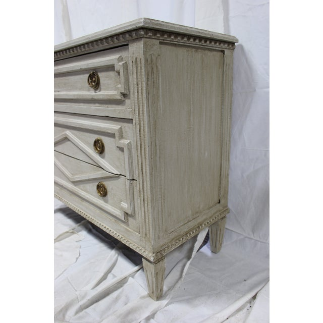 Brass 20th Century Gustavian Taupe Bedside Chests - a Pair For Sale - Image 7 of 8