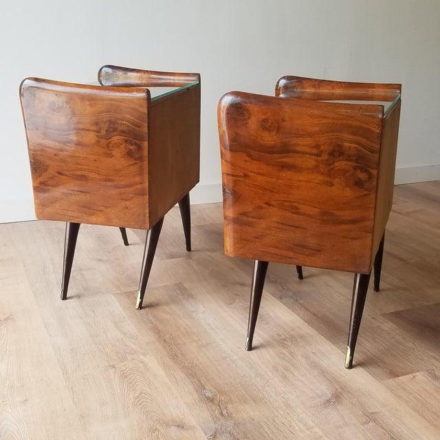 1950s Italian Mid-Century Modern Burl Walnut Nightstands - a Pair For Sale - Image 5 of 13