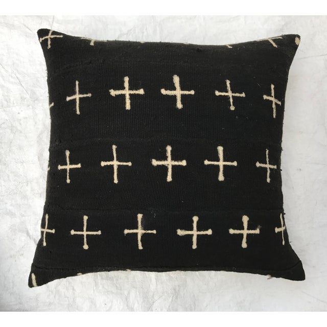 African Mali Tribal Cross Patterned Mud Cloth Pillows- A Pair For Sale In Los Angeles - Image 6 of 10