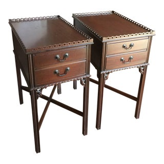 Antique Grand Rapids Mahogany Side Tables - a Pair For Sale