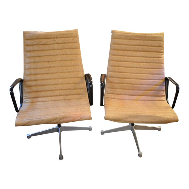 Mid Century Modern Eames Aluminum Swivel Lounge Chairs Newly Upholstered - Pair For Sale